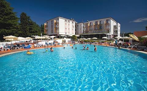 Hotel-valamar-pinia
